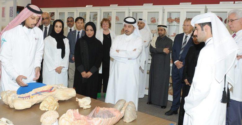 Prime Minister visits College of Medicine at QU