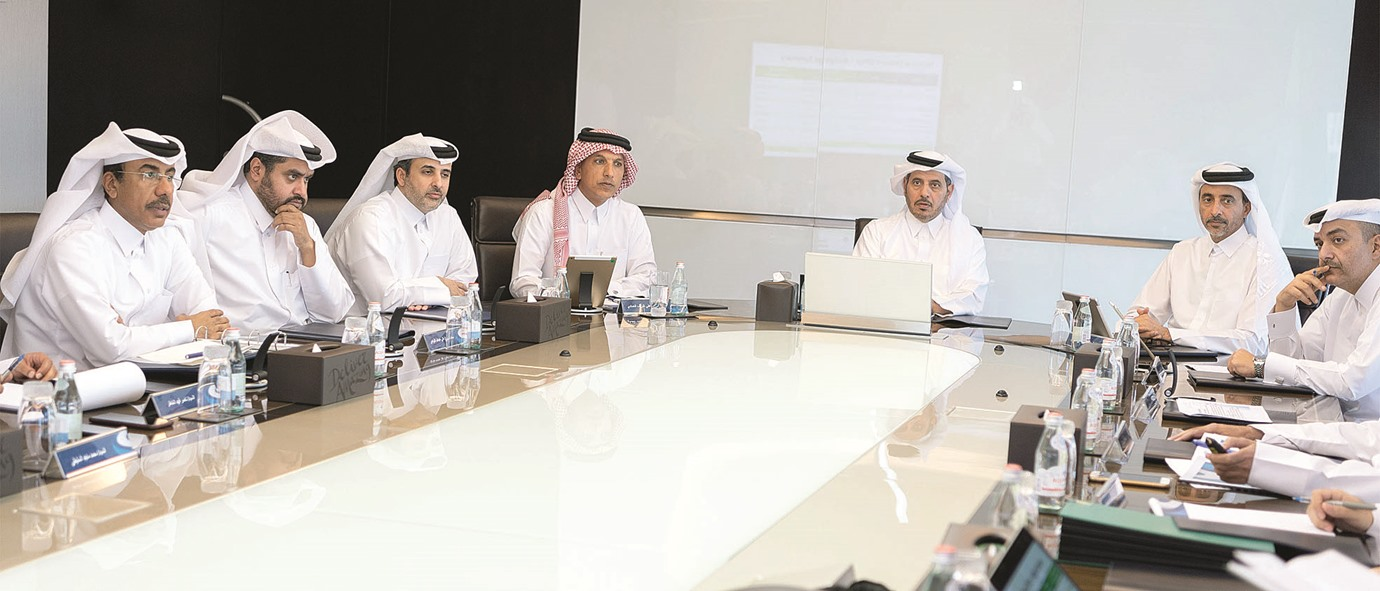 PM reviews progress of 2022 World Cup projects
