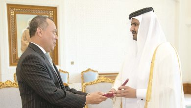 Photo of Deputy Amir honours outgoing ambassador