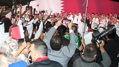 Heroes welcomed with rose petals by jubilant residents on Corniche