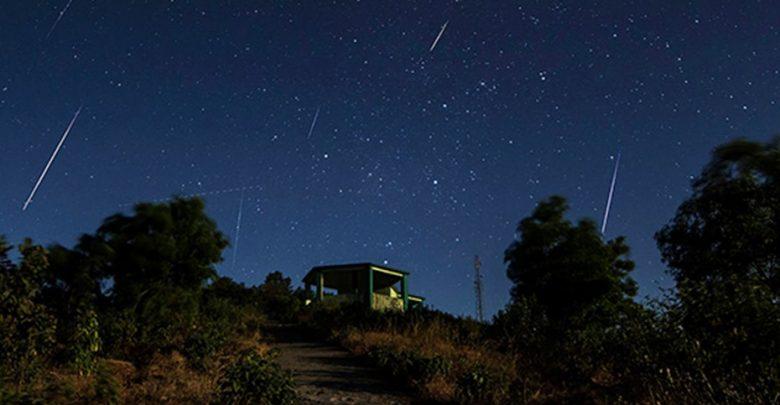 Lyrids meteor shower over Qatar sky tonight