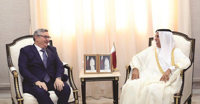 Qatar, Turkey discuss ways to develop ties