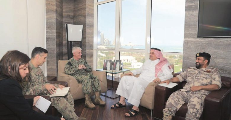 Deputy PM holds talks with NAVCENT Commander