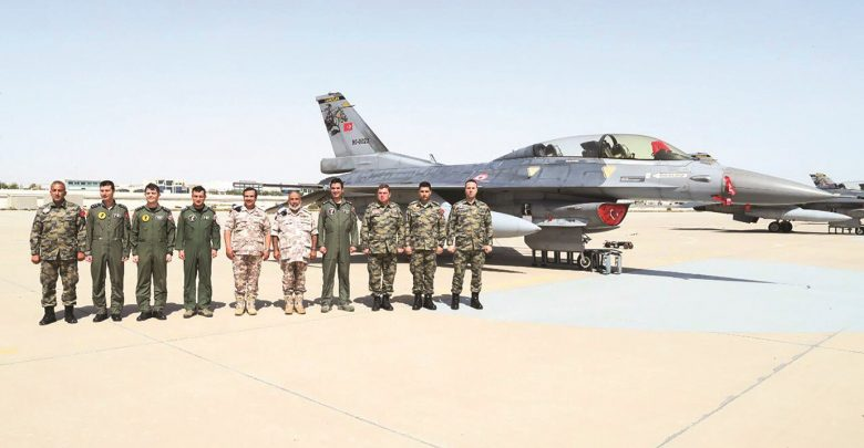 Chief of Staff inspects Saqr 21 military exercise