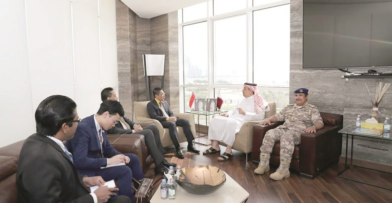 Qatar, Singapore discuss ways to enhance relations