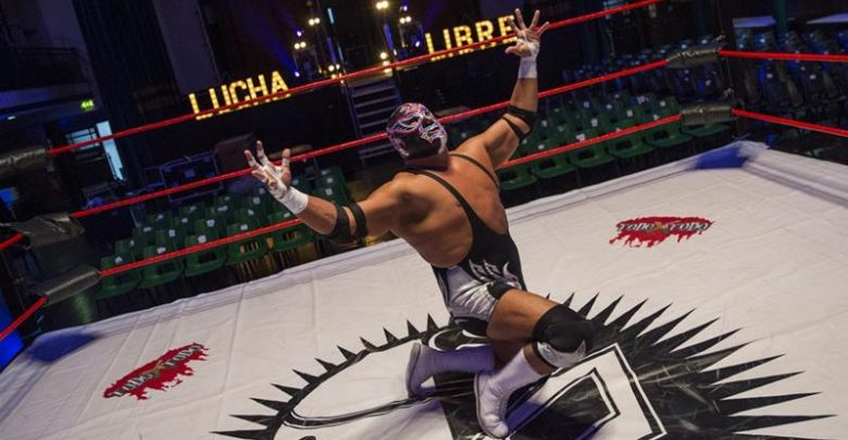 Watch moment of death of Mexican wrestler Silver King inside ring