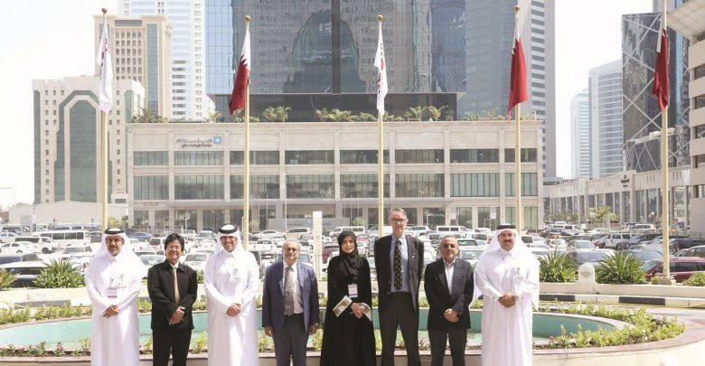 Visiting delegation reviews preparations for Junior Science Olympiad in December
