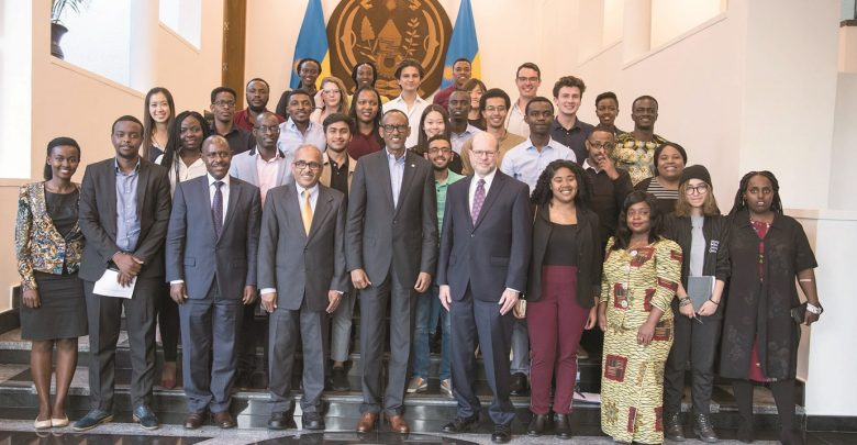 Carnegie Mellon students meet president of Rwanda