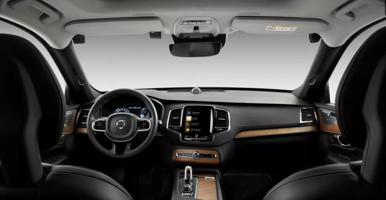 Volvo supplies its cars with surveillance cameras