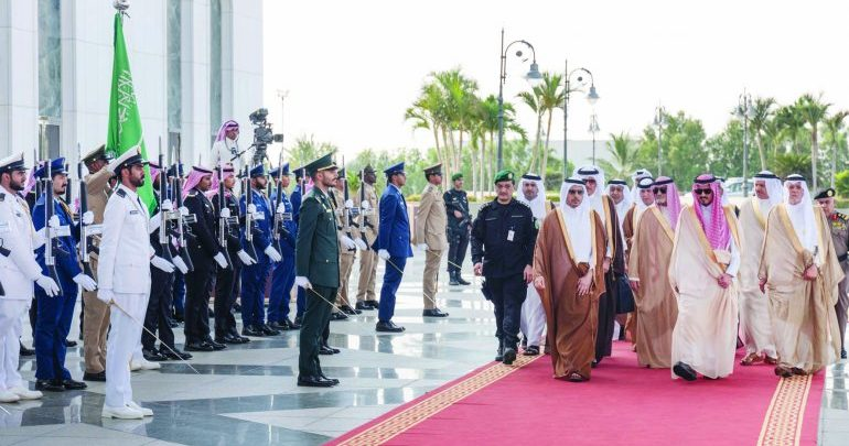 PM takes part in Makkah emergency summit