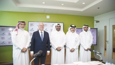 Photo of AZF and CMU-Q sign agreement