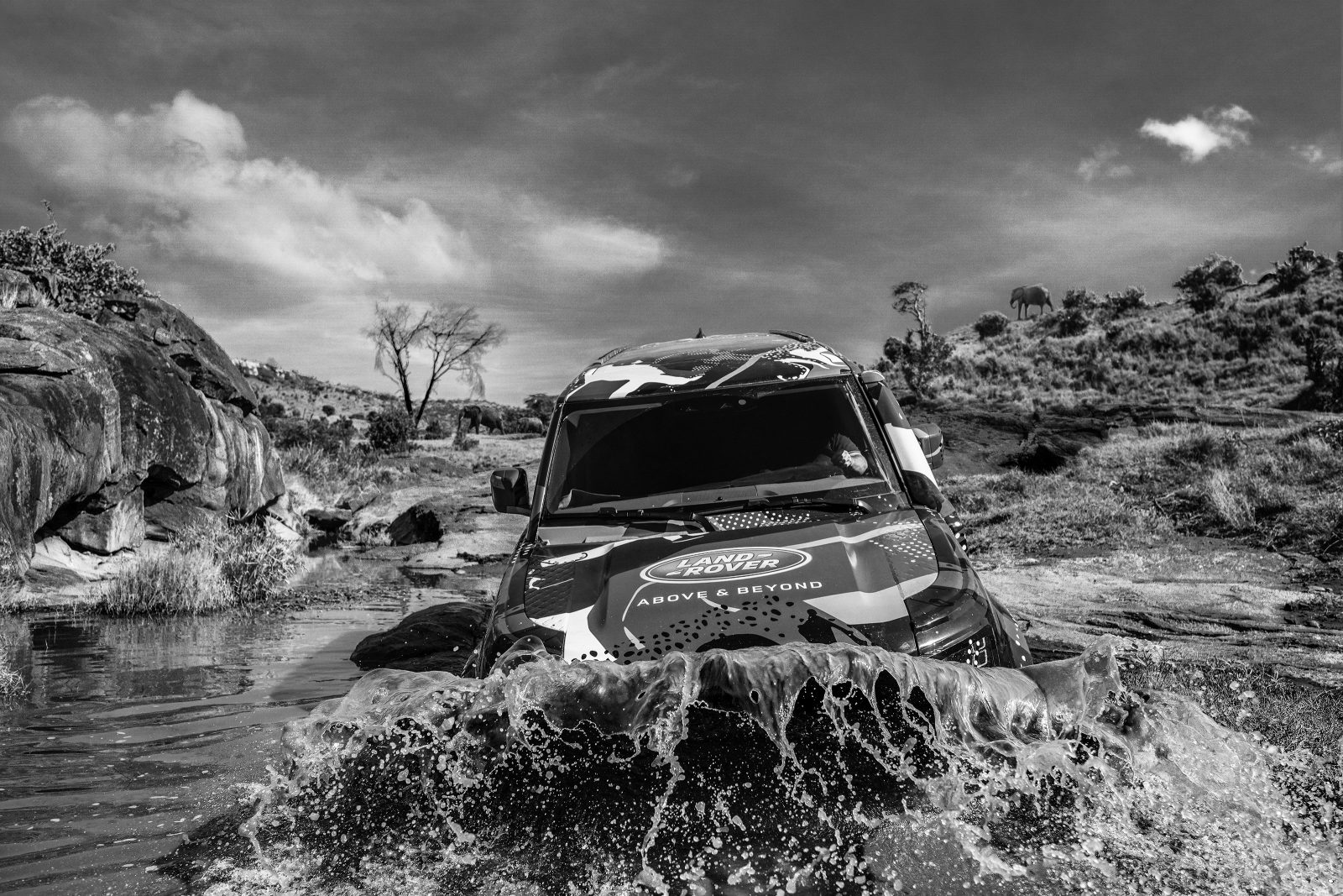 David Yarrow teams up with Land Rover to defend Kenya's lions