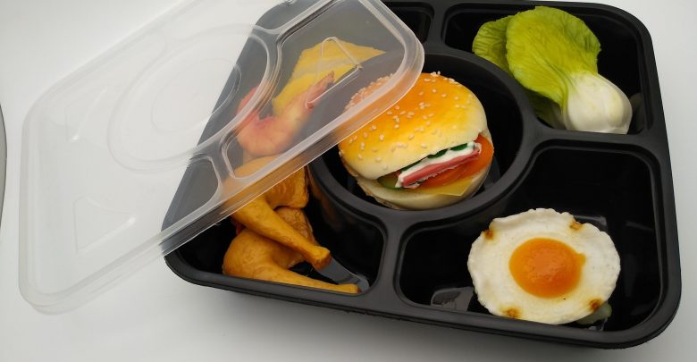 Serving hot food in plastic containers a matter of concern