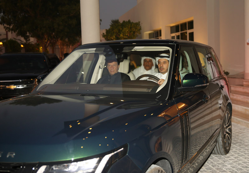 Prime Minister meets Pakistani counterpart