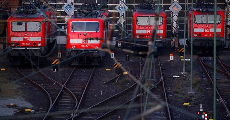 German police close Frankfurt station .. What's the story?