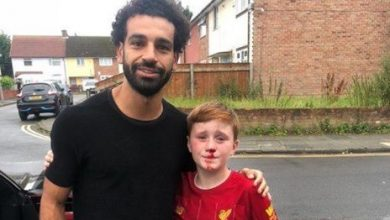 """FIFA"" highlights humanitarian attitude of Salah with a Liverpool young fan"
