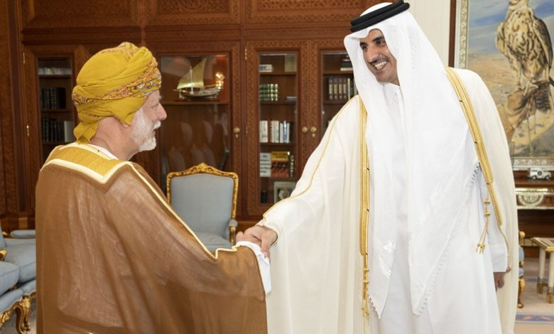Amir meets Oman's Foreign Minister