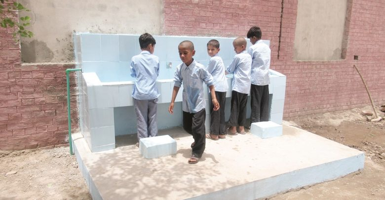 Unicef, Qatar Charity implement water project in Pakistan