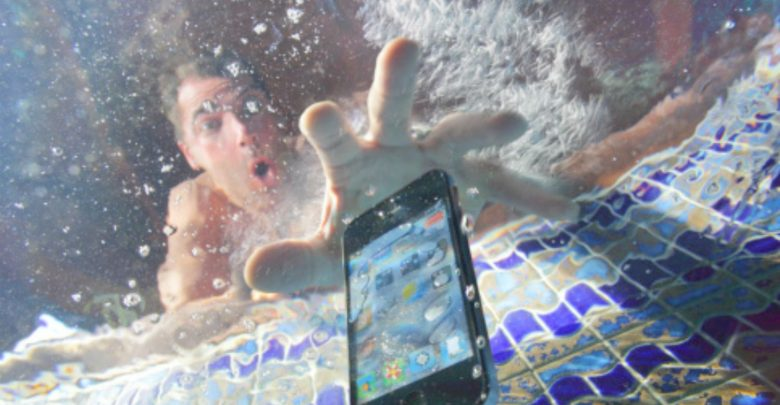 How to save your computer or smartphone after it gets wet?