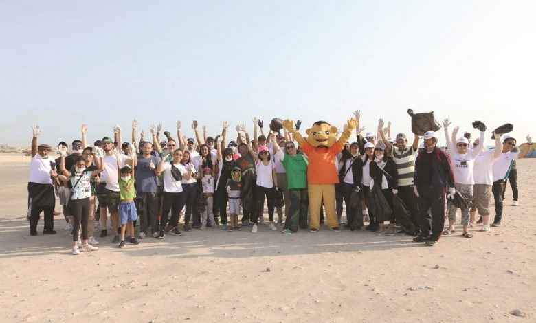 Municipality marks Qatar Sustainability Week with beach cleanup