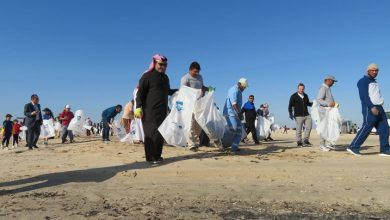 Photo of 500 volunteer for campaign of cleaning Zakrit beach, with participation of MME Minister