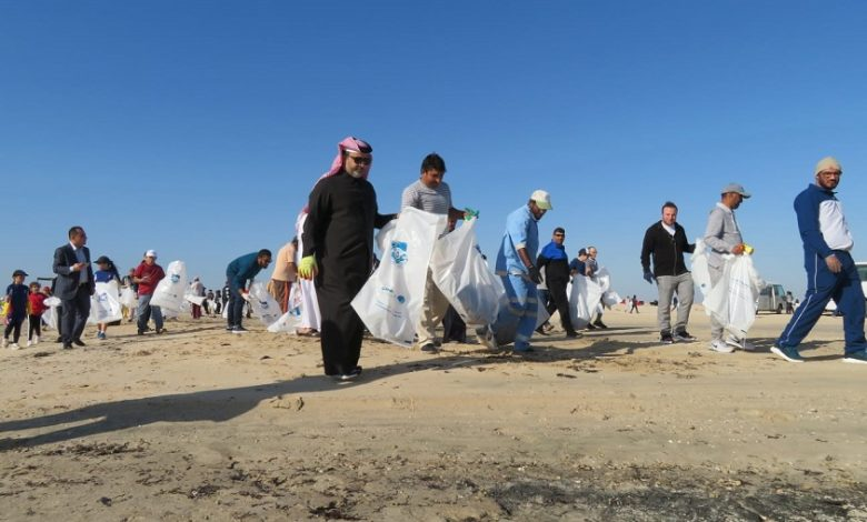 500 volunteer for campaign of cleaning Zakrit beach, with participation of MME Minister