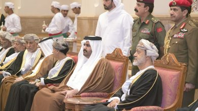 Photo of Deputy Amir offers condolences to Sultan of Oman