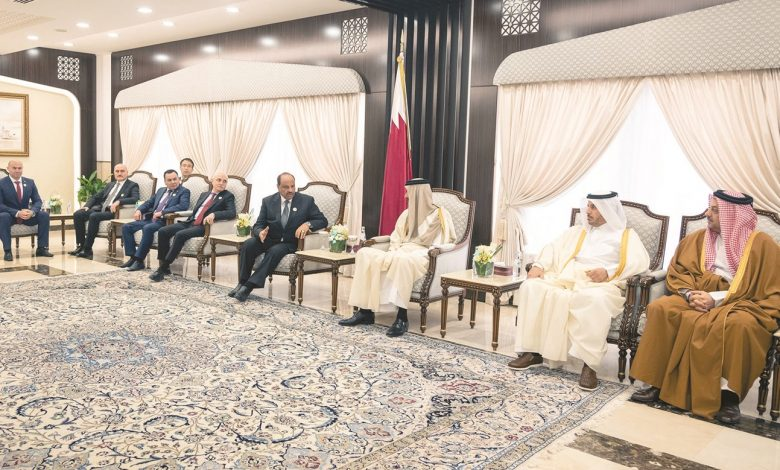 Amir meets Ministers, Security and Military leaders