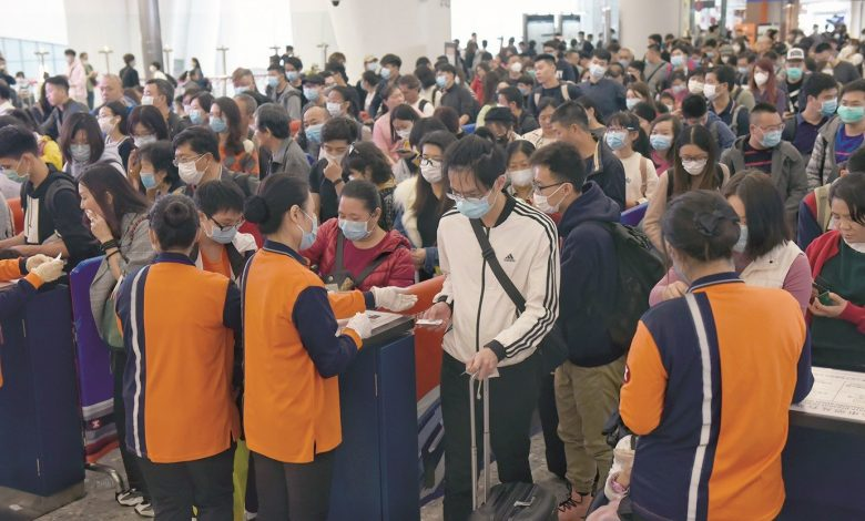 China Extends Holiday as Virus Toll Rises to 81