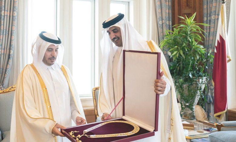 Amir awarded the Hamad bin Khalifa Sash to Sheikh Abdullah bin Nasser