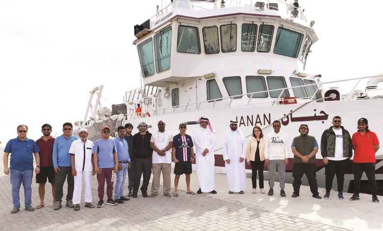 Research vessel Janan departs to study the marine environment