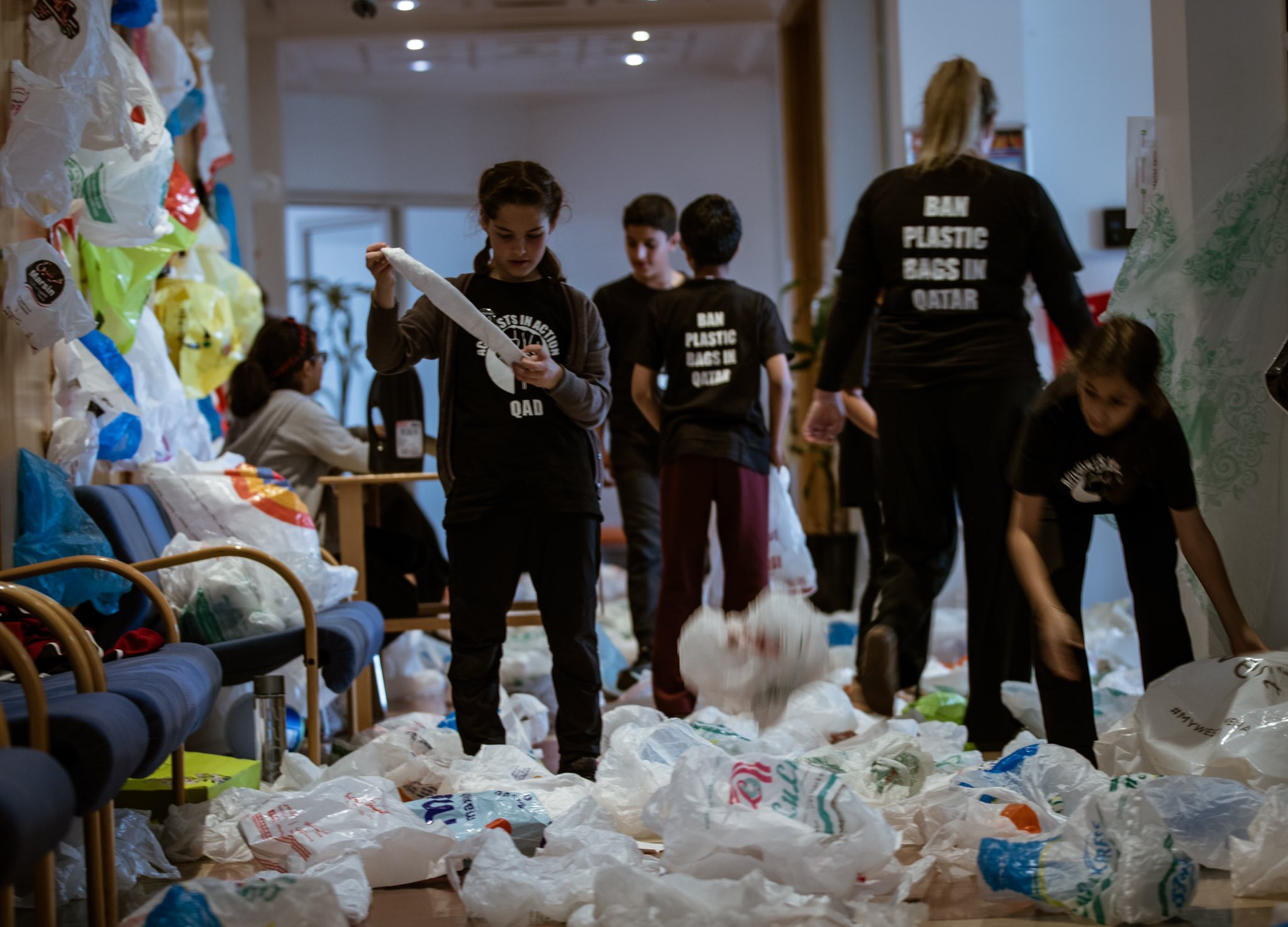 Young activists in Qatar call for action against plastic bags