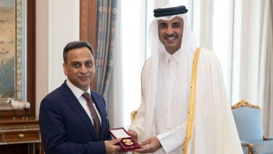 Photo of Amir granted British Ambassador Al Wajbah Decoration
