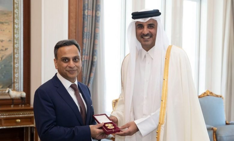 Amir granted British Ambassador Al Wajbah Decoration