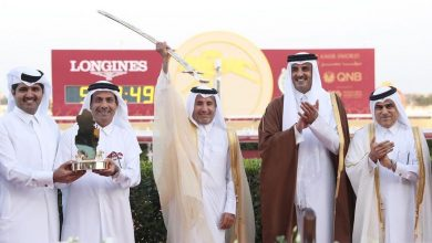 Photo of Amir crowns winners of His Highness Sword Festival