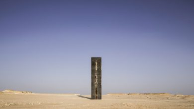 Photo of Richard Serra's sculptures in Zekreet are being sabotaged .. QM urges community to help protect public art