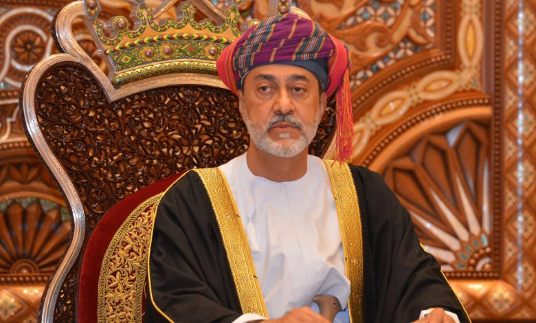 Sultan of Oman meets Qatar's Foreign Minister