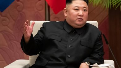 Photo of Kim Jong Un makes first public appearance in 20 days