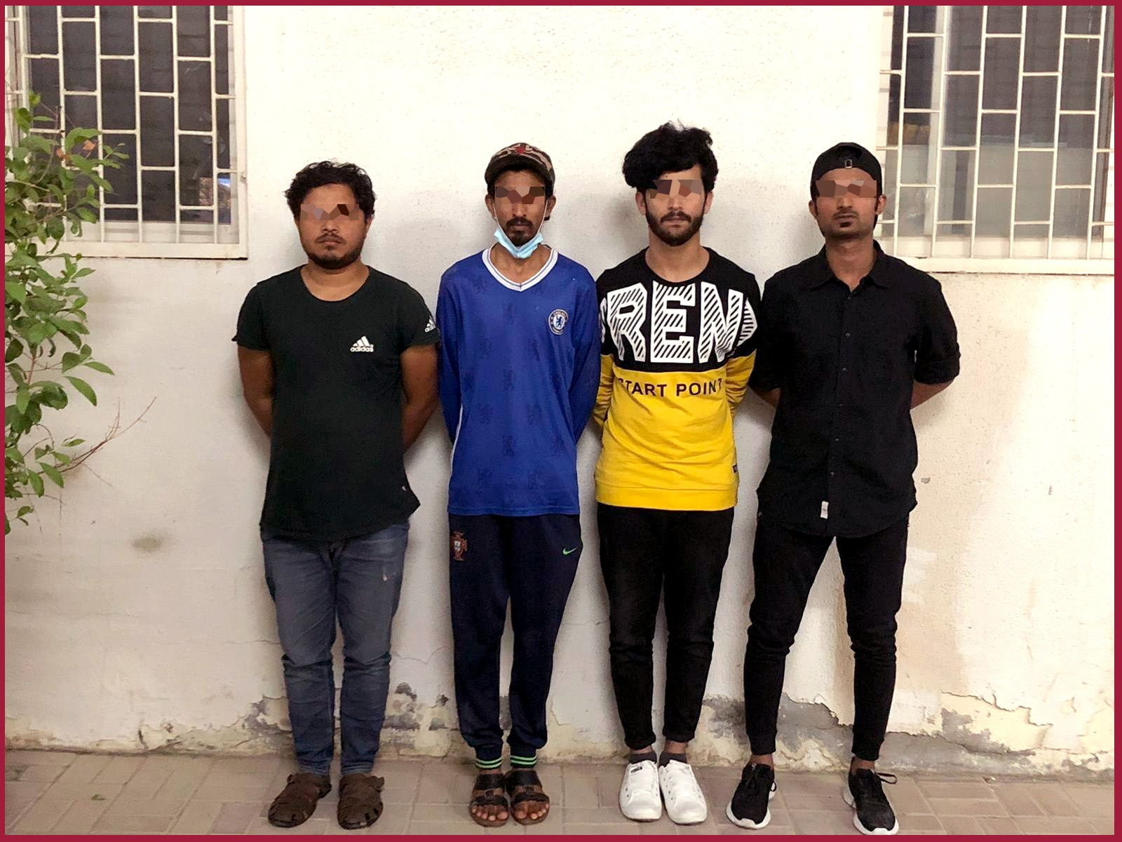 Gang arrested for posing as policemen