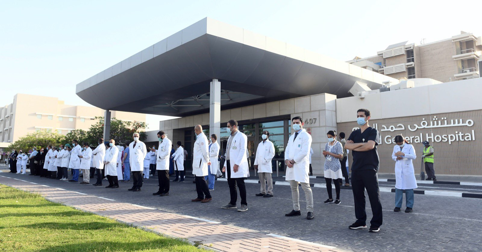 Qatari Airforce salutes healthcare workers with spectacular flypast