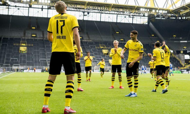 Dortmund rout Schalke to close gap on Bayern
