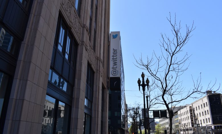 After clashing with Trump, Twitter receives an offer to transfer its headquarters from America