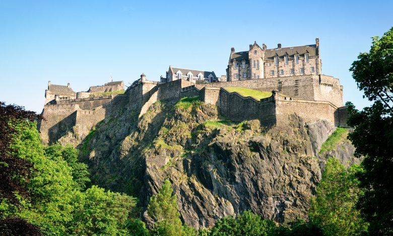 Qatar Airways operates 3 flights a week to Edinburgh