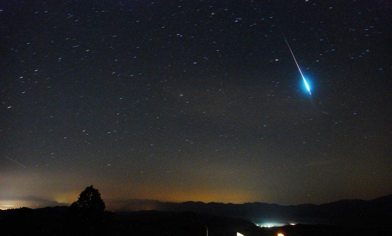 Delta Aquarid meteor in Qatar sky on Tuesday