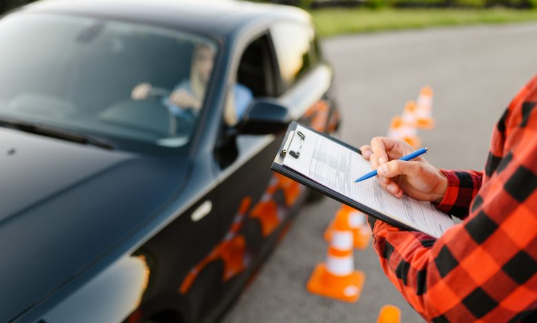 Driving schools to reopen in a few days .. registration of applicants started online