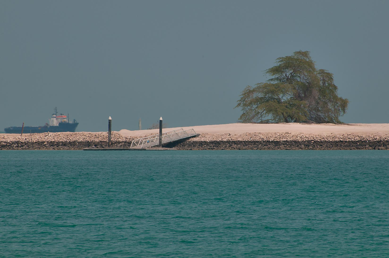 A detailed list of all islands and sea destinations in Qatar