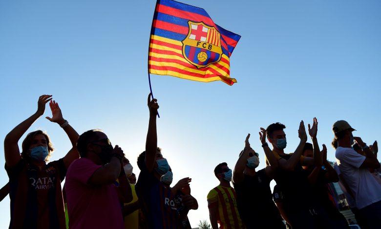 Messi ignites war with Barcelona