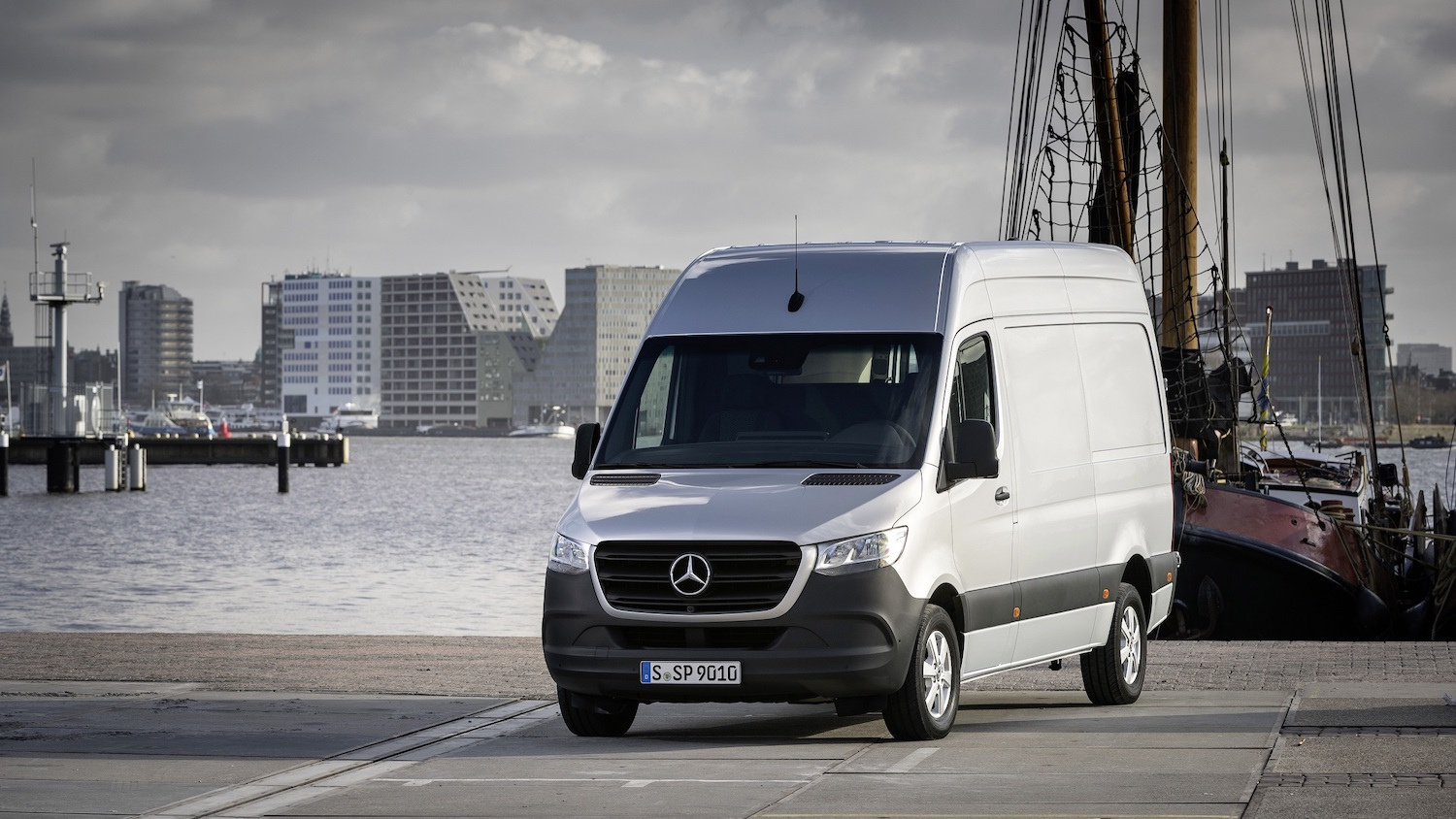 The third generation of Mercedes-Benz Sprinter impresses with its progressive design plus comfort and safety features at passenger car level
