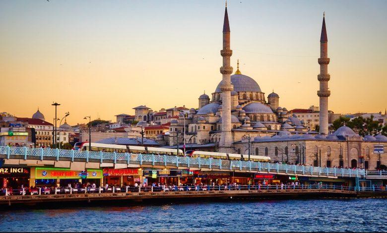 Qatar Airways operates 17 flights a week to Istanbul