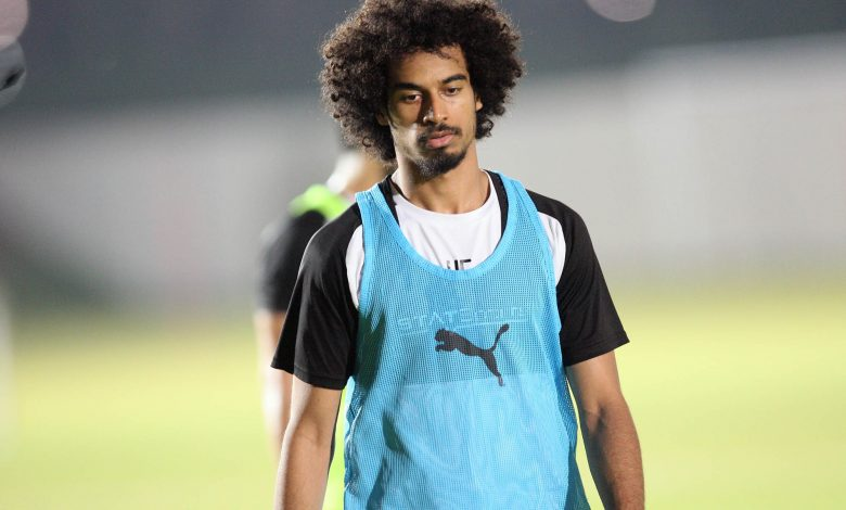 Ankle ligament injury ends Akram Afif season